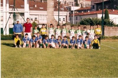 Os Benxamíns do Atlético Fátima e do Castiñeiriño en Santa Isabel na temporada 2003-2004