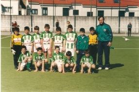 Benxamíns Campións de Liga 2003-2004 no campo das Cancelas