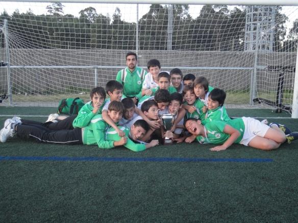 O equipo infantil Castiñeiriño E.F. terceiro no VIII Torneo Abanqueiro S.D.